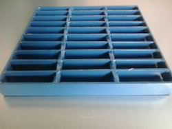 Twisted Square Bar Grating