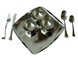SS Hammered Square Plate with Square Bowls