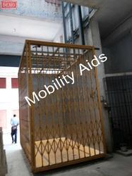 Material Lifts upto 1ton Capacity