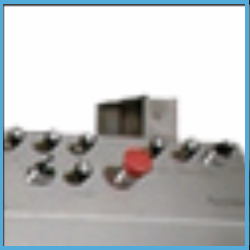 Automatic-Aluminium-Lug-type-Cap-Sealing-Machine