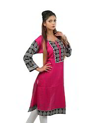 Pink+Cotton+Kurta+with+a+Pintucked+Front+%2C+Contrast+Printed