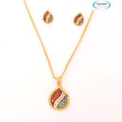 Vendee Pendant Jewelry set
