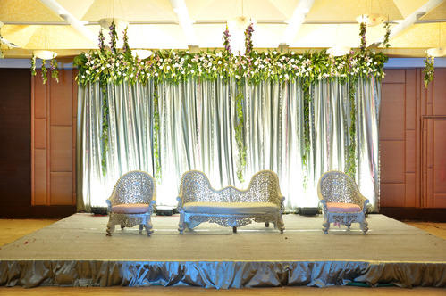 Simple Stage Decorations With Flowers