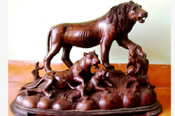 Carving+Lion+And+Its+Family+For+Home+Decoration
