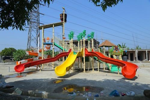 Multi Activity Fun Water Park Equipment 5 Platform