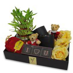 valentine-gift-hamper