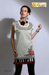 Pleasing off White Printed Tunic Tops