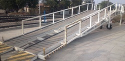 Commercial Vehicle Dock Leveler