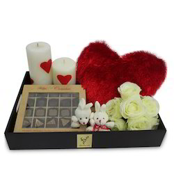 love-candle-hamper