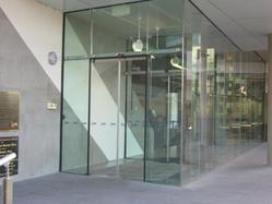 Single Glass Panel On Automatic Sliding Door
