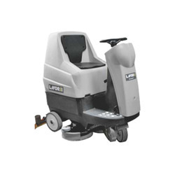 Comfort Xs Essential Ride On Scrubber