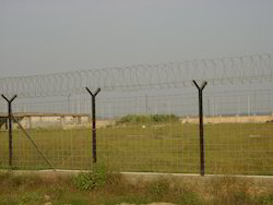 Fixing of Razor Barbade Wire