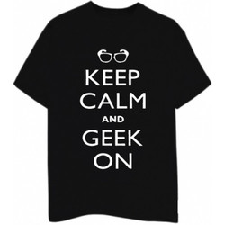 Keep Calm And Geek On T- Shirt
