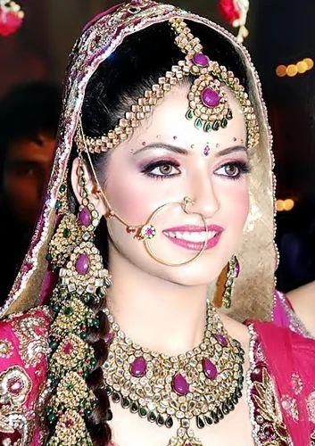 Bridal Make Up Services, Bridal Makeup Services in Delhi ...