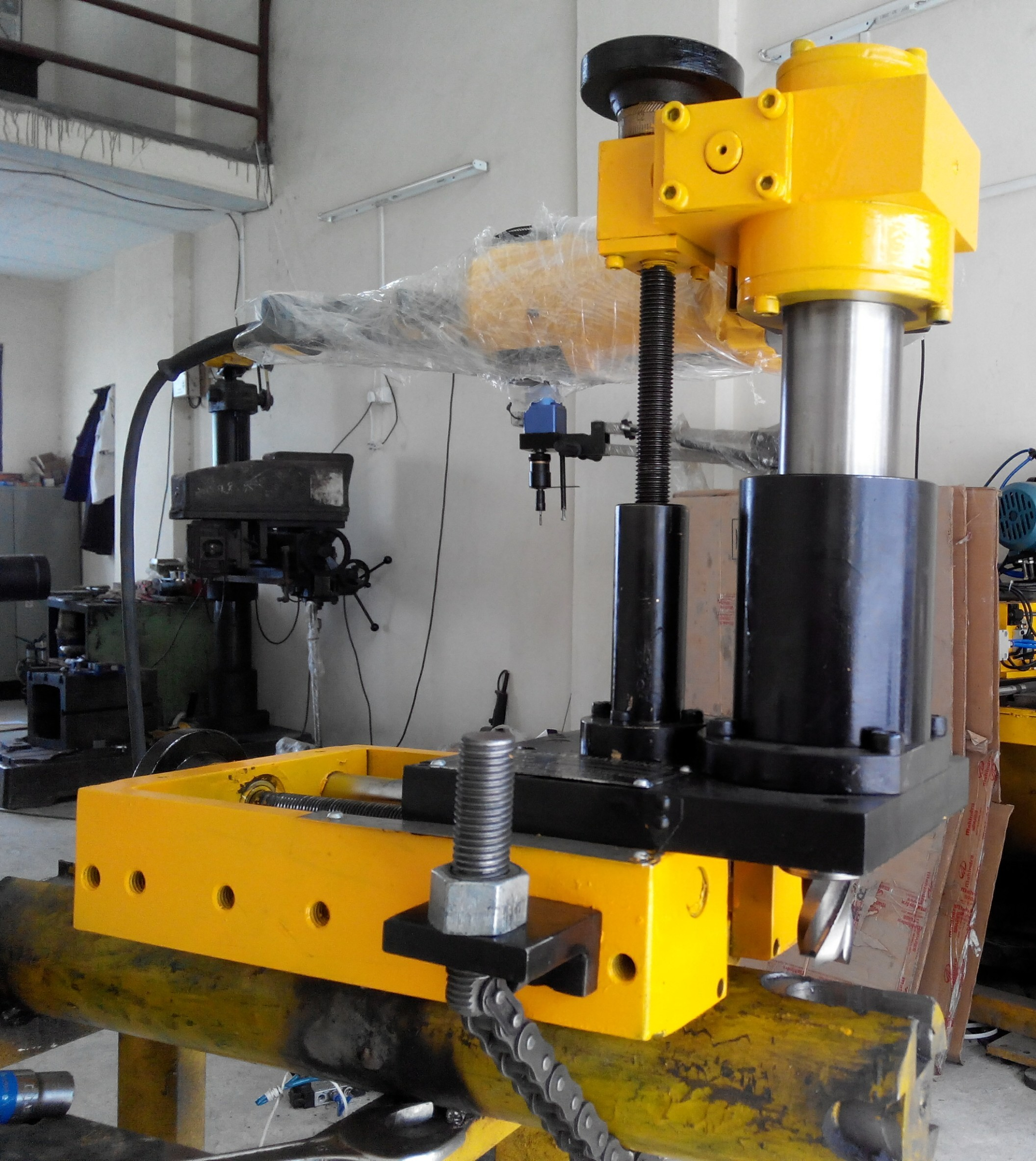 Portable Feed Mill : Portable keyway milling machine with auto feed at rs