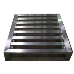 Stainless Steel Tanks Pallets