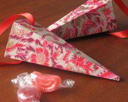 Paper Favor Cones for Wedding Favors, Birthday Parties