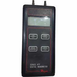 Dwyer Handheld Digital Manometer