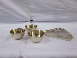Metal Bowls Set