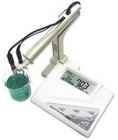 Microprocessor Bench Top pH Meter