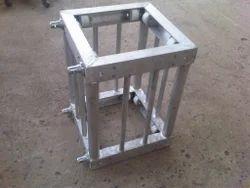 Truss Corner Box
