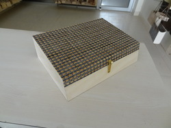 WM 5 Matt Box with Knob
