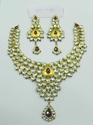 22 kt gold kundan necklace