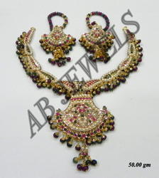Jadau Necklace Gold