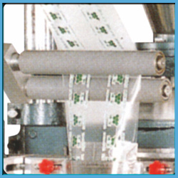 Automatic-Motion-Vertical-Small-Pouch-Packing-Machine