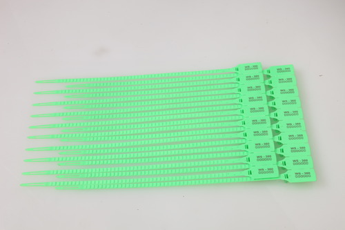 Plastic Super Grip Seals