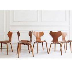 Grand Chair