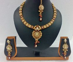 Exclusive Gold Pendant Set