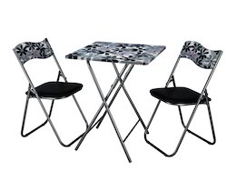 BOB Square Table with Folding Chairs