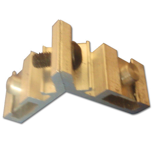 Adjustable Corner Cleat