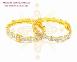Attractive Design Bangle