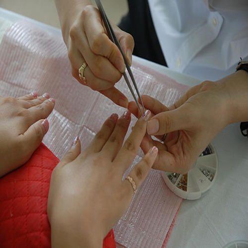 Nail Art Services In Delhi