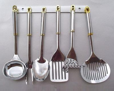 Supplier of Stainless Steel Kitchen Accessories from Mumbai