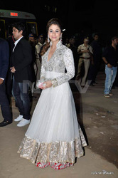 Beautiful White Suit Embroidery Bollywood