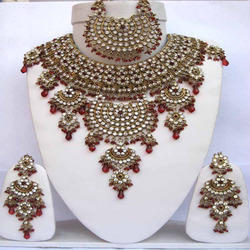 Bridal Jewelry Sets - Bridal Jewellery Sets Latest Price, Manufacturers & Suppliers