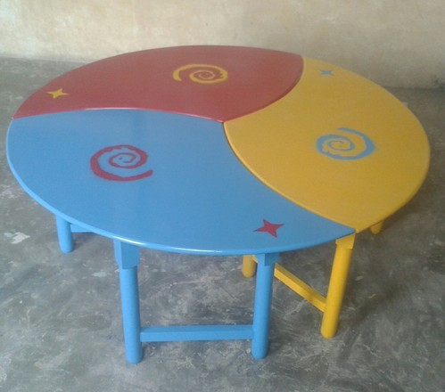Kids School Round Table