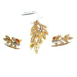 Stylish Gold Diamond Earrings