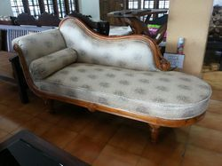 Carving dewan small Wooden BED