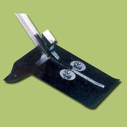 IC Lead Straightener