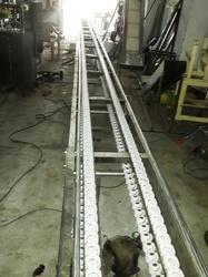 crate loading conveyor