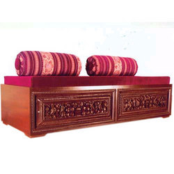 Diwan Table with Poufs