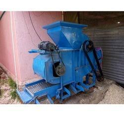 Groundnut Breaking Machine