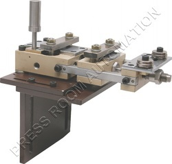 Pneumatic Feeder With Manual X-Y Movement Stand