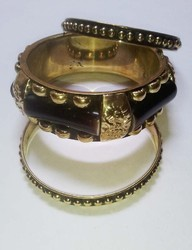 Metal Bangle Set