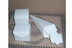White Wedding Favor Cone Boxes  For Chocolate Packaging