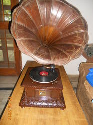 Antique Carving Gramophones